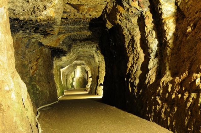 島根県 世界遺産 石見銀山 洞窟