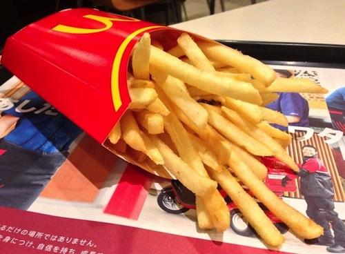 マクドナルドの揚げたてポテト