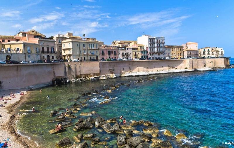 シチリア島で時空の歪み