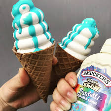 ソフトクリームにかけるSMUCKER'S マジックシェルがインスタ映え