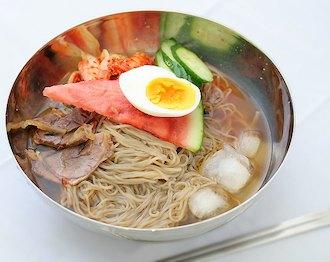 韓国冷麺は冷麺で冷やし中華と呼ばない