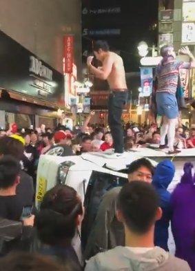 渋谷ハロウィン車をひっくり返す暴動 警察