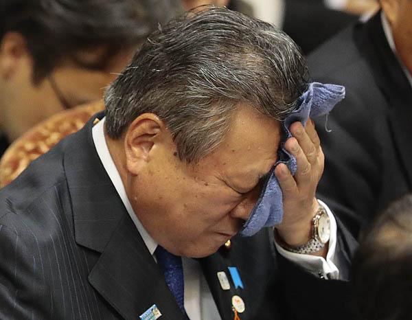 【悲報】サイバーセキュリティー担当大臣こと桜田義孝氏、海外メディアに無知がバレてボロカスに言われる事態発生w