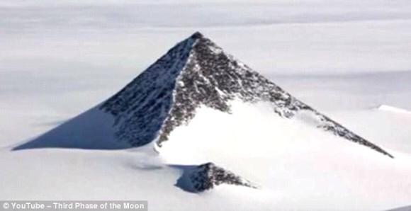 南極の謎 ピラミッド