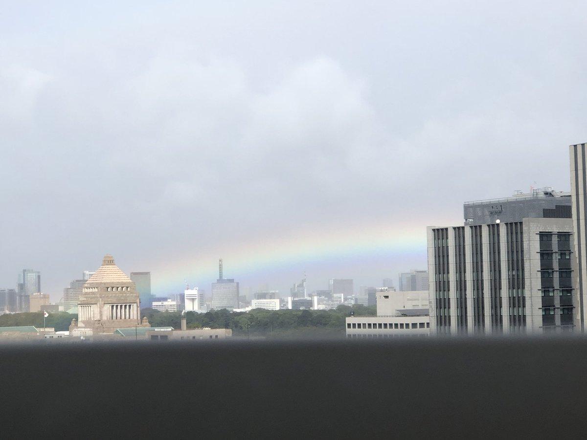【即位礼正殿の儀】天叢雲剣の影響で雨が降る→即位礼正殿の儀に合わせて晴れる『日本がファンタジー過ぎる』と話題にw