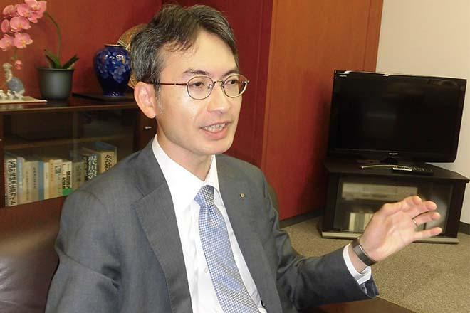 レジ袋の有用性について熱く語る中川製袋化工の中川兼一社長